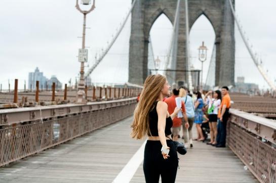 mette på broen